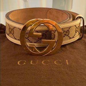 Gucci double G belt.